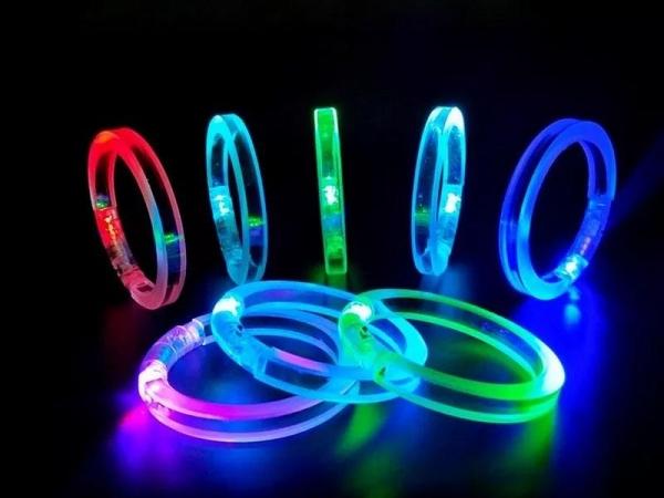 LED flashing acrylic bracelet