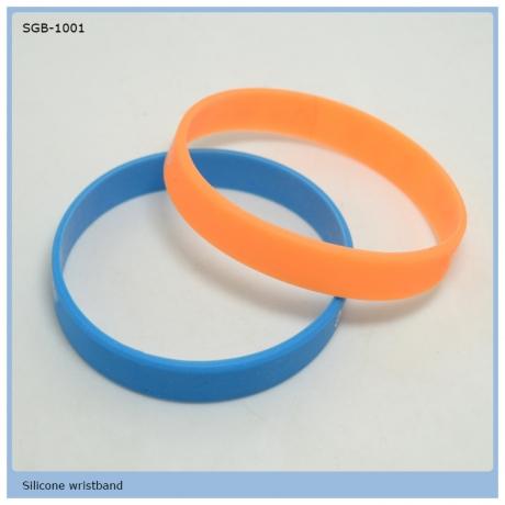 2020 hot sale silicone Bracelets Glow Bracelets