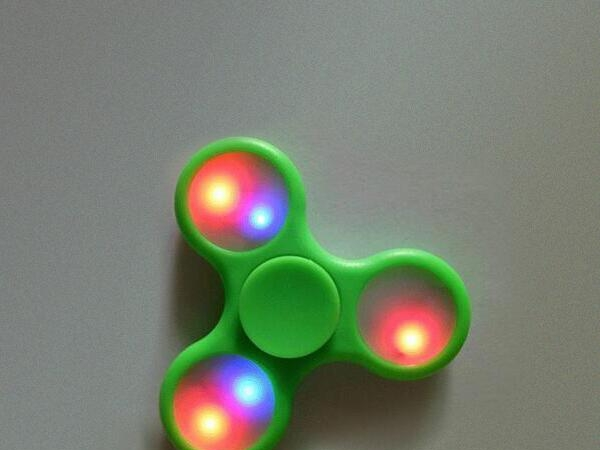 New fashion most stock led fidget spinner for sale