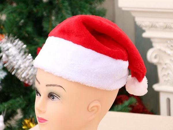 The short plush Christmas hat