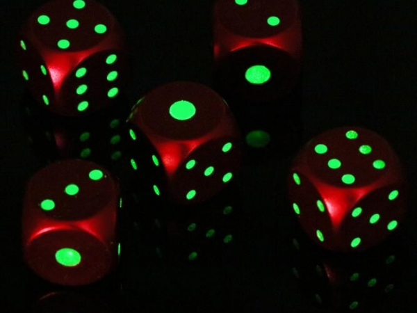 Luminous glow in dark golden metal dice