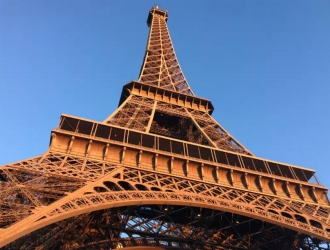 Iron lady ~ how does the Eiffel Tower makeup?