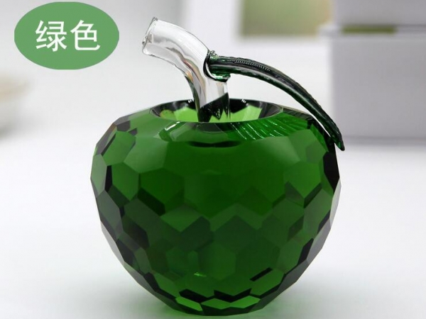 Crystal apple for gifts
