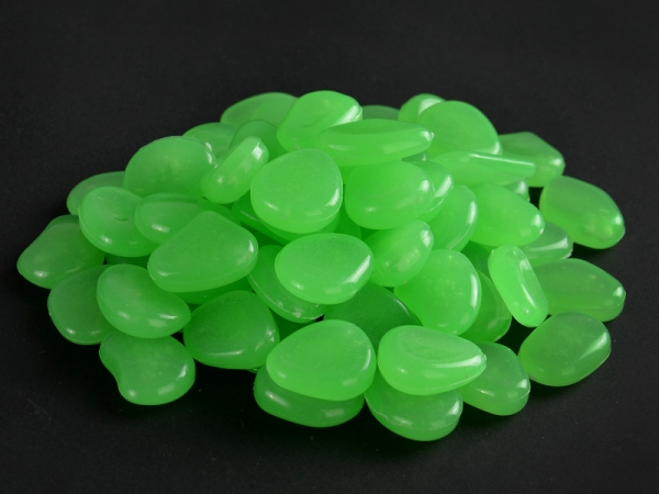 High Polished natural Colored glow in the dark pebbles stone resin