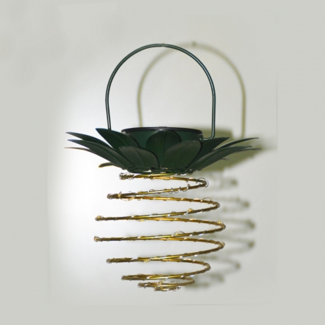 Outdoor Decor novelty beautiful metal pineapple lawn string