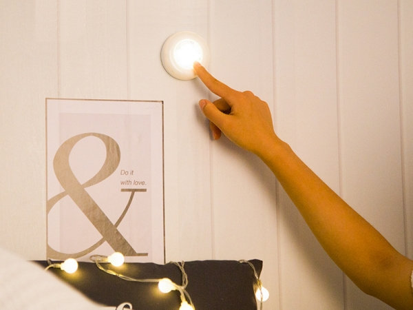 Hotel Fashion design cheap cabinet mini led spot light