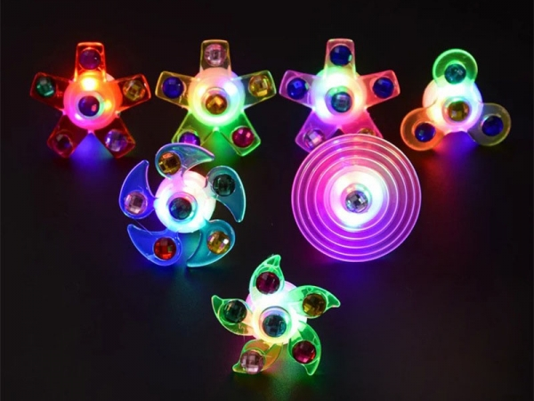 LED flashing rings spinning toy light