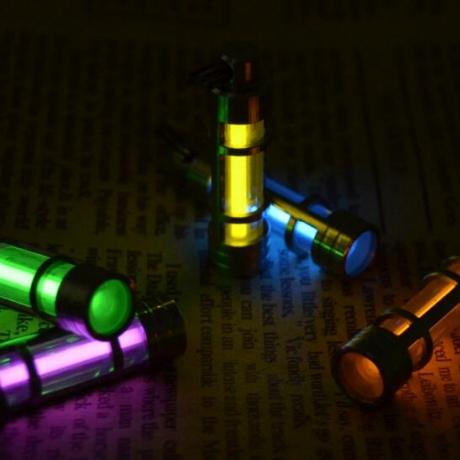 White collar's xenon light-emitting tube keychain