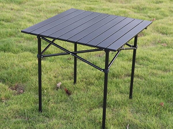 Outdoor picnic portable folding table