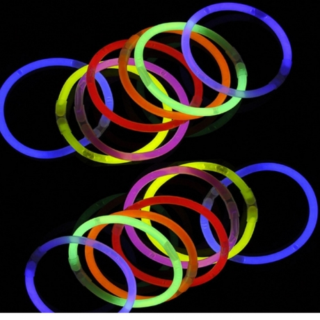 8 GLOW BRACELET COMBINED WITH CONNECTOR AND GLOW STICKS PACKED IN TUBES OF 100PCS