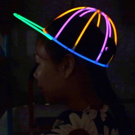 DIY assembly glow stick hat for party