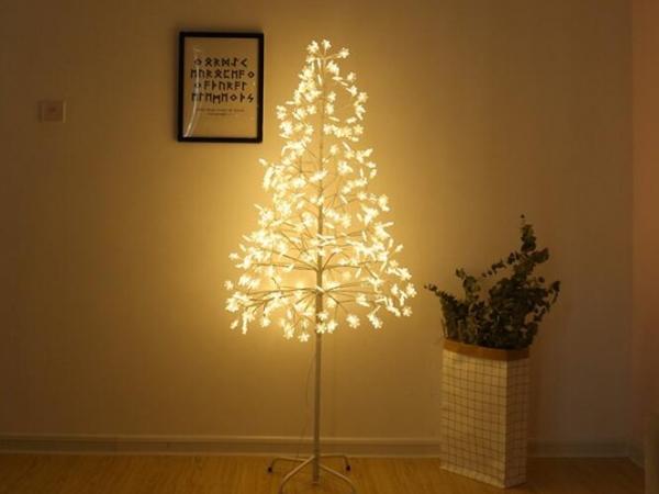 Led light snowflake tree lamp