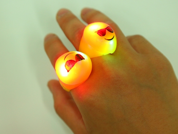 Party favor Luminous soft plastic expression rings
