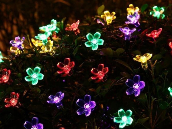 Solar cherry blossom lamp string used for decoration