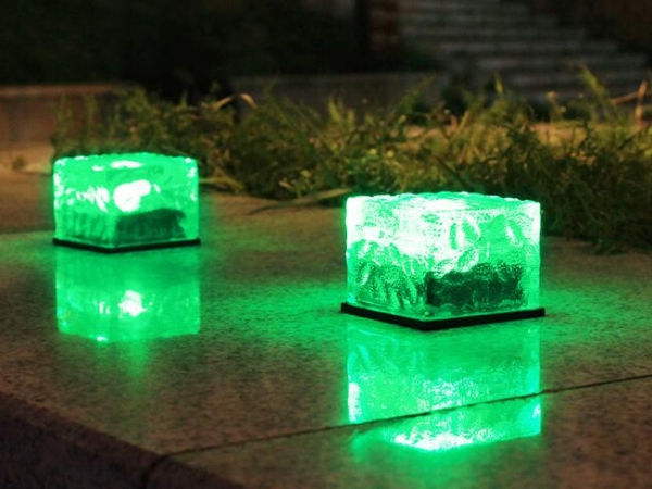 solar led garden lamp with square brick shape