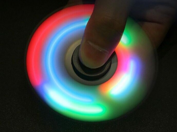 LED flash color changing fingertip crystal gyroscope