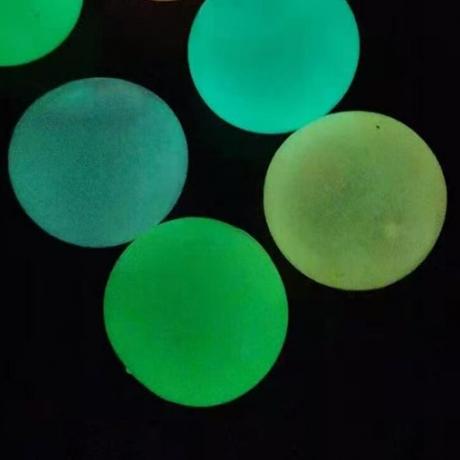 glow in dark sticky ball