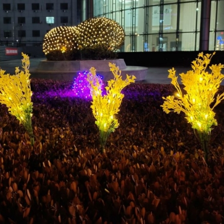 Solar artificial chinese pine light