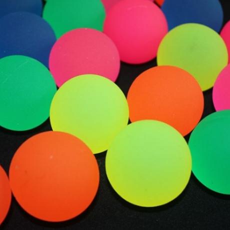 Fluorescent solid high elastic ball